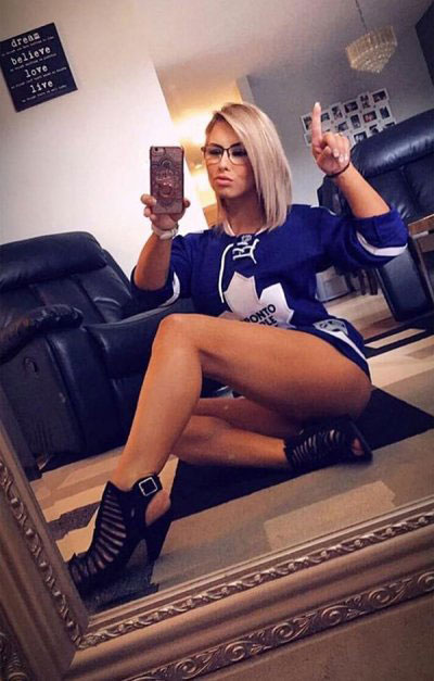 Toronto Maple Leafs Puck Bunny