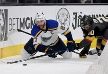 Vegas Golden Knights looking to sign Alex Pietrangelo